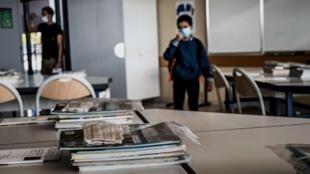 Tous les collégiens et lycéens doivent porter un masque et respecter les gestes barrières tels que le lavage des mains
