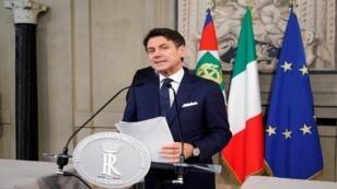 رئيس الوزراء الإيطالي جوزيبي كونتي يتحدث إلى وسائل الإعلام في قصر كويرينال الرئاسي، إيطاليا، 4 سبتمبر/ أيلول 2019
