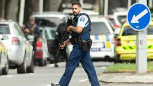 شرطي نيوزيلندي في مدينة كرايستشيرش- 15 مارس/آذار 2019
