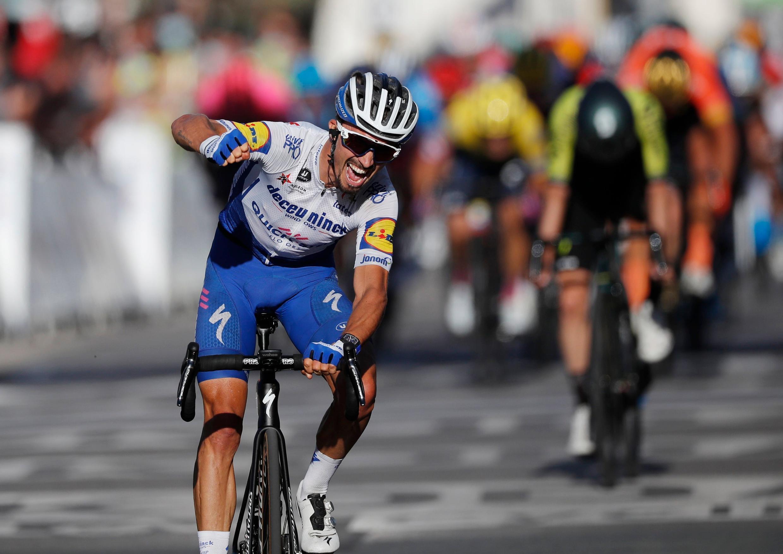 Le Français Julian Alaphilippe a remporté la deuxième étape du Tour de France et le maillot jaune, le 30 août 2020 à Nice.
