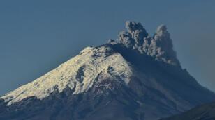 Le volcan Cotopaxi, considéré comme l'un des plus dangereux au monde, est secoué depuis le 14 août par de nombreuses explosions,