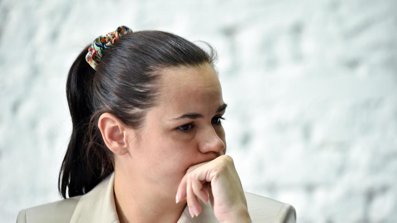 La candidata de la oposición para las elecciones presidenciales en Bielorrusia, Svetlana Tikhanovska, en una conferencia de prensa tras las elecciones en Minsk, el 10 de agosto de 2020.