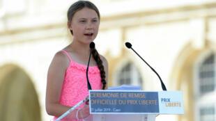 La militante suédoise Greta Thunberg s'exprime après avoir reçu le Prix Liberté, le 21 juillet 2019 à Caen.