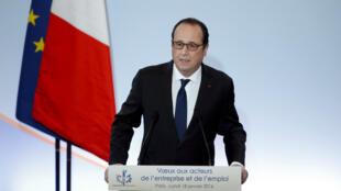 François Hollande a indiqué que l'inversion de la courbe du chômage déterminerait sa candidature à un second mandat en 2017.