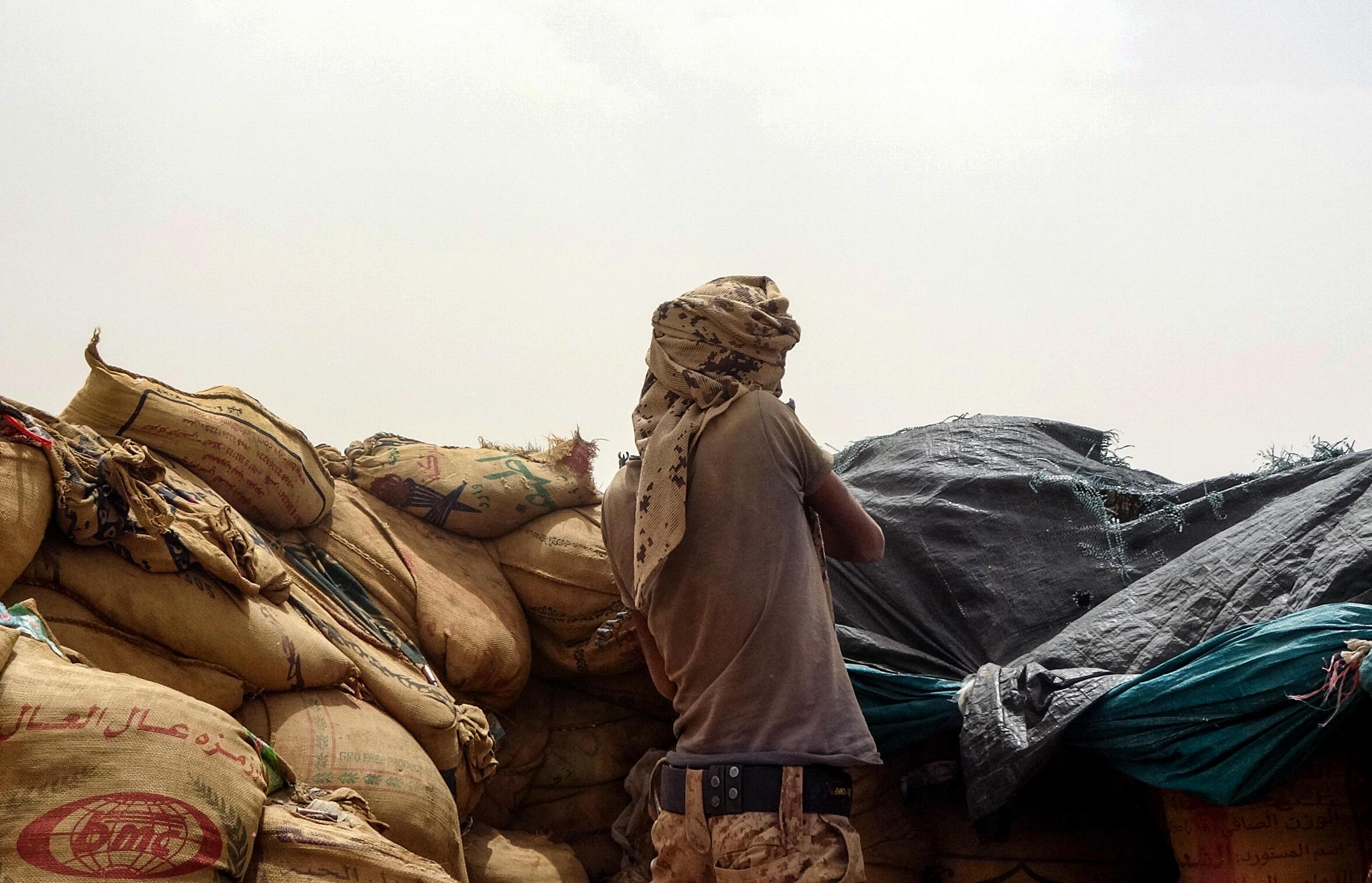 مقاتل من القوات الموالية للحكومة اليمنية في مأرب (شمال شرق)، في 19 حزيران/يونيو 2021