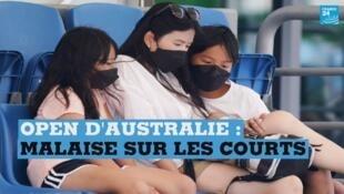 Les qualifications de l'Open d'Australie de tennis ont été perturbées, mercredi 15 janvier, pour la deuxième journée consécutive par la fumée toxique liée aux incendies.