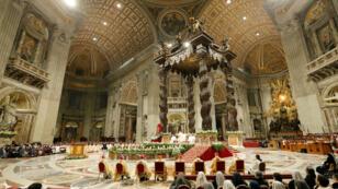 Le pape François célébrant une messe lors de la 23e Journée mondiale de la vie en la basilique Saint-Pierre au Vatican, le 2 février 2019.