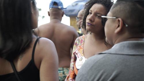 Renata Souza, candidate députée du Parti Socialiste Brésilien (PSOL) est devenue porte-parole des habitants des favelas de Rio de Janeiro, et des femmes noires.
