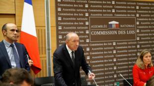 El ministro del Interior de Francia, Gérard Collomb, durante el interrogatorio en la Asamblea Nacional. 23 de julio de 2018.