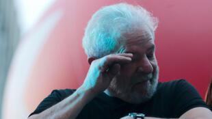 El expresidente Luis Inacio Lula da Silva reacciona después del juicio en Sao Paulo, el 24 de enero de 2018.