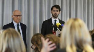 Les avocats des époux Fillon, Pierre Cornut-Gentille et Antonin Levy, lors de leur conférence de presse du 9 février 2017.