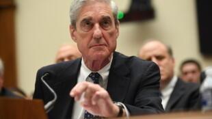 المحقق الخاص مولر خلال مثوله امام الكونغرس في تموز/يوليو