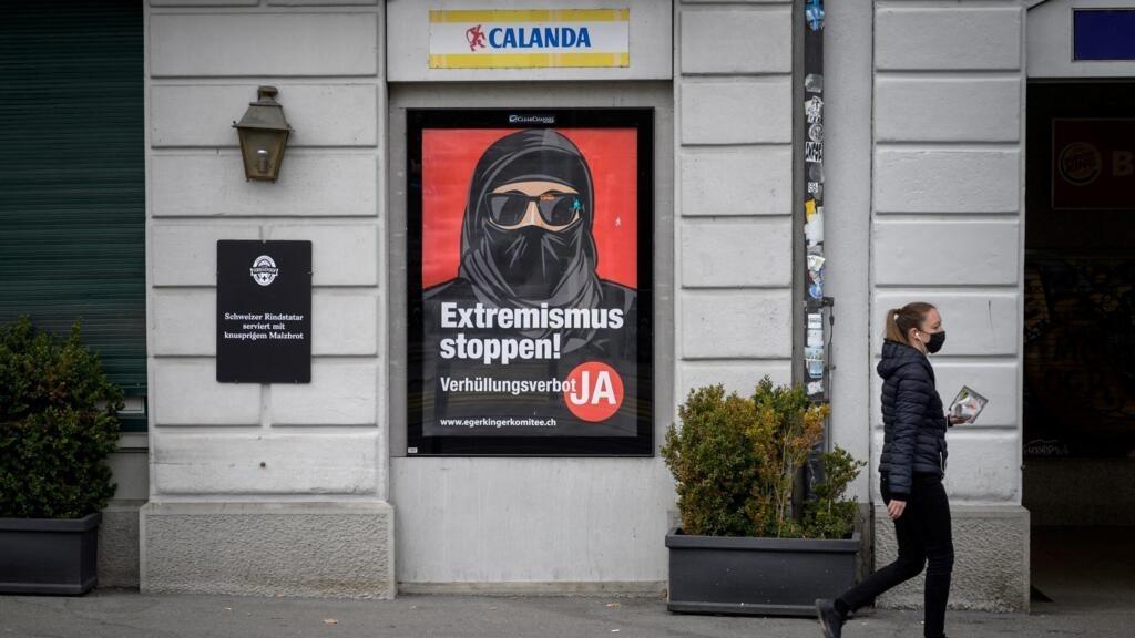 Les Suisses votent sur l'interdictiondu voile intégral