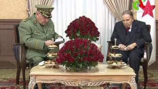 الرئيس الجزائري عبد العزيز بوتفليقة وقائد الجيش الجزائري الفريق أحمد قايد صالح، الجزائر العاصمة في 11 مارس/آذار 2019