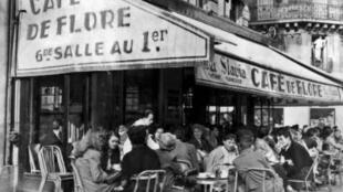 Le café de Flore, à Paris.