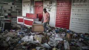 Magasin de Libreville pillé durant les troubles post-électoraux, jeudi 1er septembre 2016.