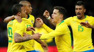 Los jugadores de Brasil celebran el gol de Gabriel Jesús en su partido contra Alemania, el 28 de marzo de 2018.