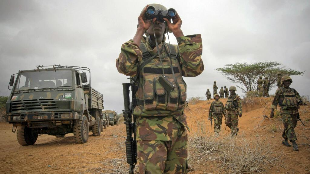 Un soldat de l'armée kényane en mission de surveillance en Somalie.