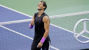Rafael Nadal después de derrotar a Daniil Medvédev de Rusia durante el partido final masculino del US Open, en Nueva York, Estados Unidos, el 8 de septiembre de 2019.