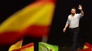 Le chef de file de Vox, Santiago Abascal, lors d'un meeting de campagne, à Séville, le 24 avril 2019.