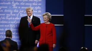 Donald Trump et Hillary Clinton, lors du premier débat entre les candidats à l'élection présidentielle américaine, le 26 septembre 2016.