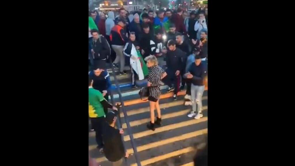 Capture d'écran de la vidéo de l'agression de Julia.
