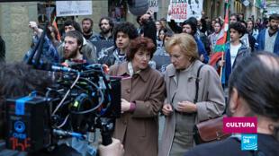 Imagen del rodaje de la serie española 'Patria', producida por HBO Europe, la primera que lanza en simultáneo en más de 60 países del mundo.
