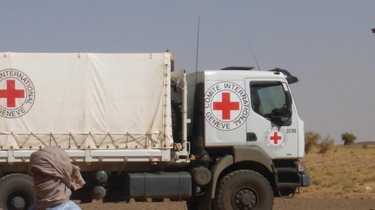 Un camion du CICR a été attaqué, lundi 30 mars, dans le nord du Mali et son chauffeur a été tué.