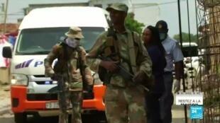 2020-04-02 09:10 Pandémie de Covid-19 : En Afrique du Sud, l'armée peine à imposer le confinement