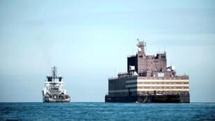 L'Akademik Lomonosov, la première centrale nucléaire flottante au monde, photographiée en mai 2018.