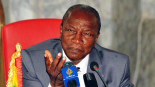 Alpha Condé a obtenu près de 2,2 millions de voix sur environ 92 % des six millions d'inscrits lors du premier tour de la présidentielle guinéenne, dimanche 11 octobre 2015.