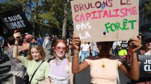 Des manifestantes pour le climat, le 21 septembre 2019, à Paris.