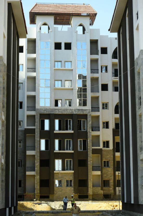 أحد المباني التي انتهى أعمال تشييدها في العاصمة الإدارية الجديدة بمصر