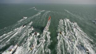 Este miércoles 27 de enero en la noche llegarán los primeros barcos de la regata Vendée Globe. Una final con mucho suspenso pues el podio no se definirá con la llegada de los tres primeros navegantes.