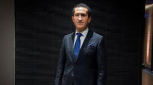 Patrick Drahi, le patron d'Altice (maison mère de SFR), tente actuellement de rassurer les marchés sur la santé de son groupe.