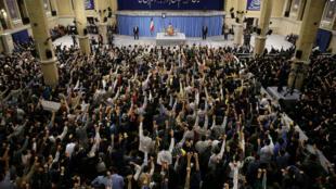 واشنطن تفرض عقوبات على وزير الاتصالات الإيراني
