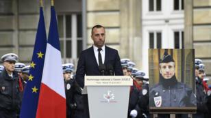 Lors de l'hommage national au policier tué Xavier Jugelé, son compagnon Étienne Cardiles avait prononcé un émouvant discours, le 25 avril.