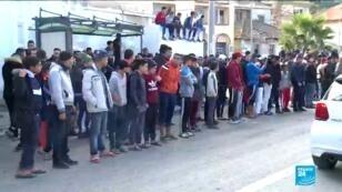 Les familles des migrants algériens expriment leur colère et leur désarroi à Alger.