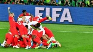 فرحة لاعبي المنتخب الانكليزي بعد فوزهم على كولومبيا بثمن نهائي المونديال. 2018/07/03