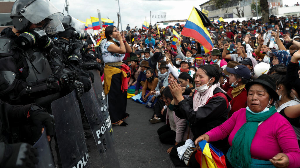 Los manifestantes participan en una protesta contra las medidas de austeridad del presidente de Ecuador, Lenín Moreno, en Quito, Ecuador, el 11 de octubre de 2019.