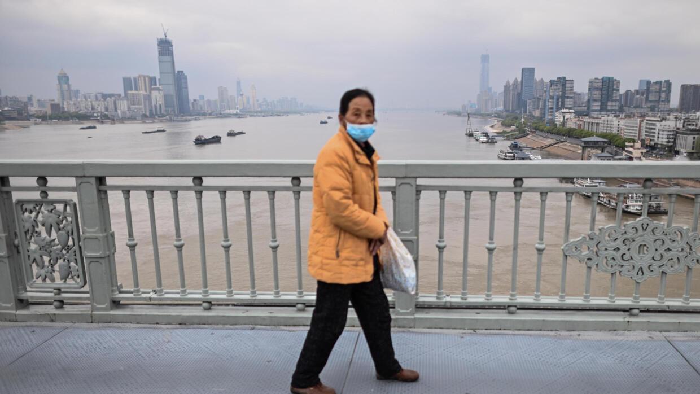 A Wuhan, les funérariums pris d'assaut sèment le doute sur le nombre de victimes du coronavirus