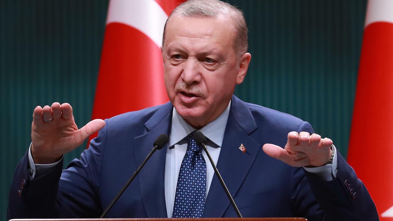 "أردوغان يحذّر واشنطن من أنّها تخاطر ""بخسارة صديق قيّم"""