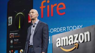 Jeff Bezos, le PDG d'Amazon, lors de la présentation du téléphone Fire Phone