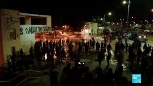 2019-11-27 12:08 Colombia protests: Clashes break out after inconclusive talks between protesters, govt