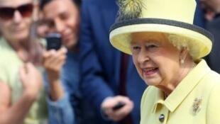 الملكة اليزابيت الثانية