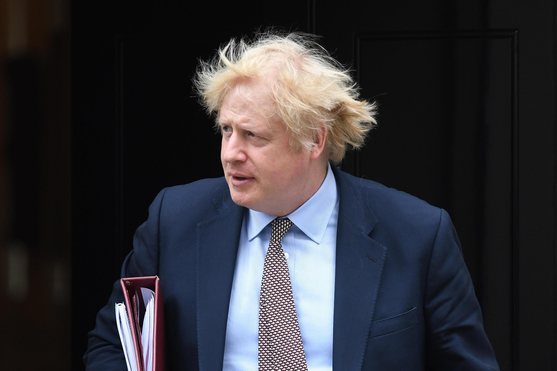 El primer ministro británico, Boris Johnson, al salir de la sede del gobierno en 10 Downing Street, en Londres, el 3 de junio de 2020