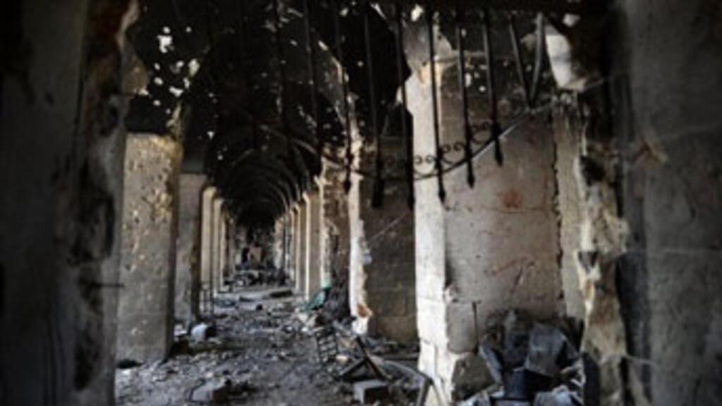 Minaret of historic mosque destroyed in Aleppo