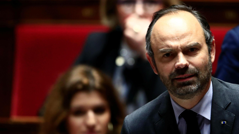 El primer ministro francés, Édouard Philippe, atiende a las preguntas de la sesión del gobierno en la Asamblea Nacional en París, Francia, el 4 de diciembre de 2018.