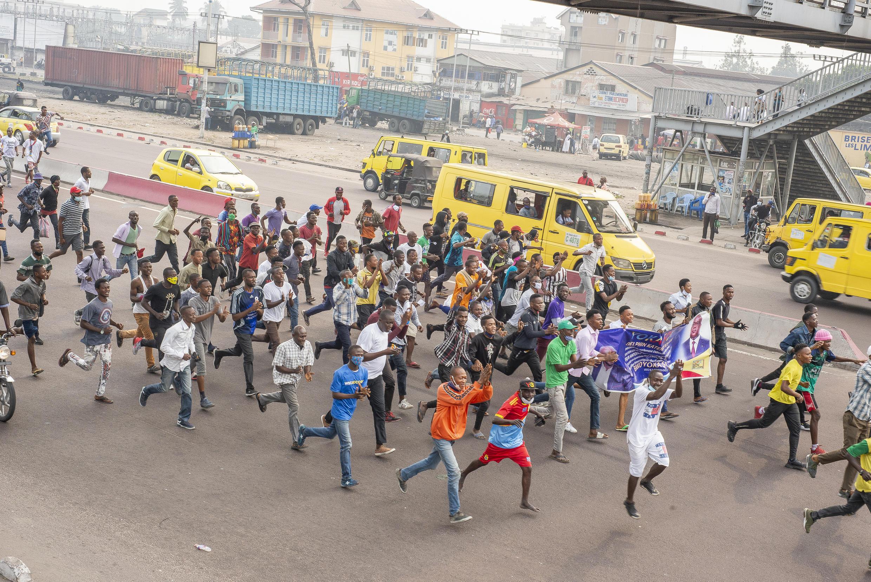 Le 9 juillet 2020, des manifestants avaient déjà protesté à Kinshasa contre la nomination de Ronsard Malonda à la tête de la Céni. Au moins cinq manifestants avaient été tués lors de cette première marche.