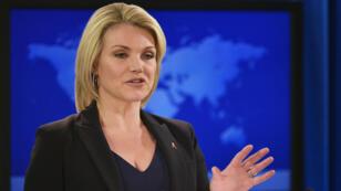 La portavoz del Departamento de Estado, Heather Nauert, habla durante una reunión informativa en el Departamento de Estado en Washington D. C., EE. UU., el 30 de noviembre de 2017.
